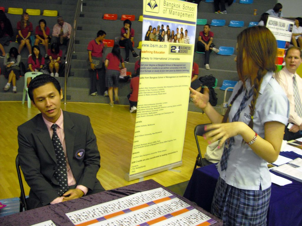 Thai University Fair 03