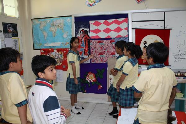 Peer-teaching Japanese Art and Crafts