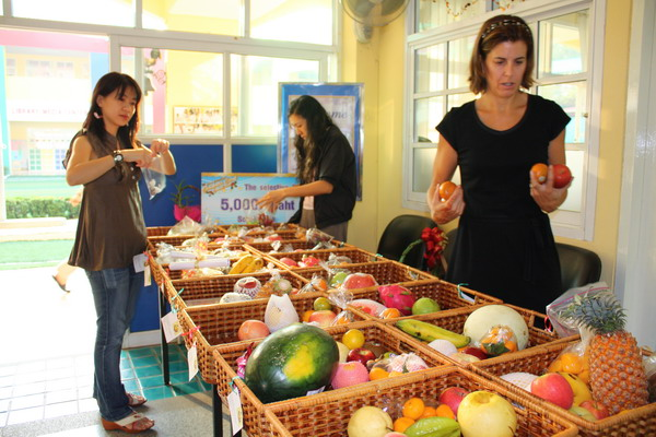 Parent Representatives preparing fruit baskets